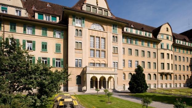 Die privaten Mittelschulen im Kanton Schwyz bekommen mehr Geld