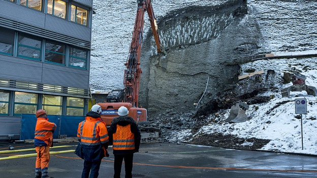 Die instabile Felsplatte wurde abgetragen.