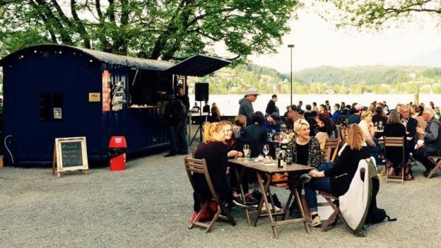 Sommerbar Volière im Luzerner Inseli