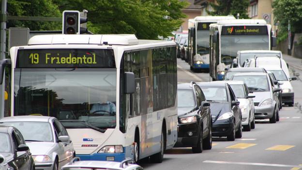Dank neuen Ampeln soll der Verkehr in Luzern flüssiger fahren.