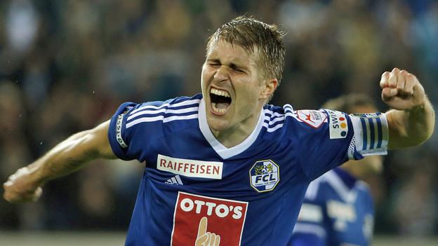 Die pure Erleichterung: FCL-Captain Claudio Lustenberger.