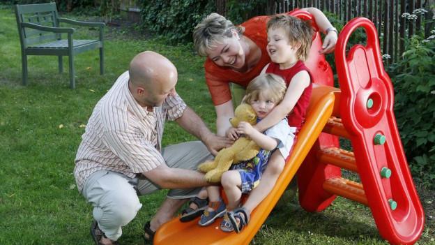 Familien erhalten im Kanton Schwyz mehr Geld