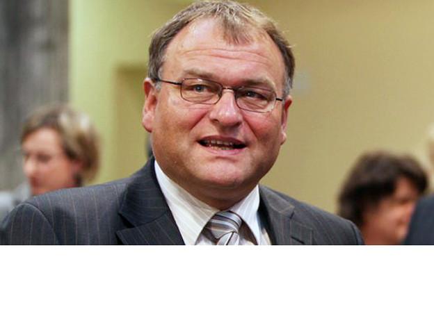 Georg Hess sass zehn Jahre lang in der Schwyzer Regierung. Am Dienstag erlag er einer langjährigen Krankheit.