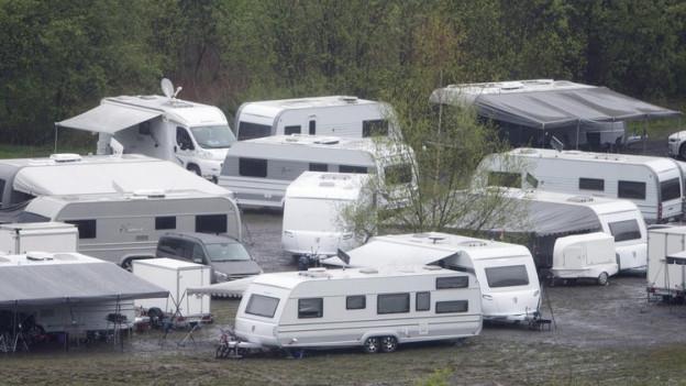 Standplätze für Fahrende (hier in Kriens) sind im Kanton Schwyz gesucht.