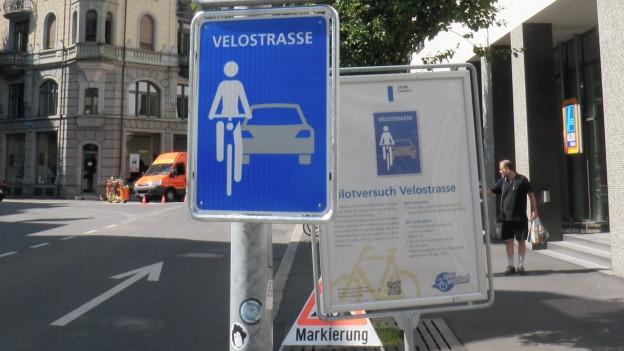 Neue Signalisation Velostrasse.