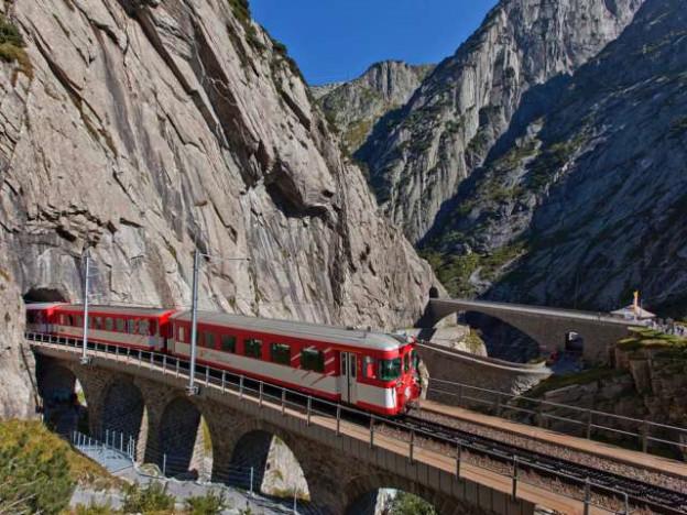 Die Schöllenen-Bahnstrecke ist unterbrochen.