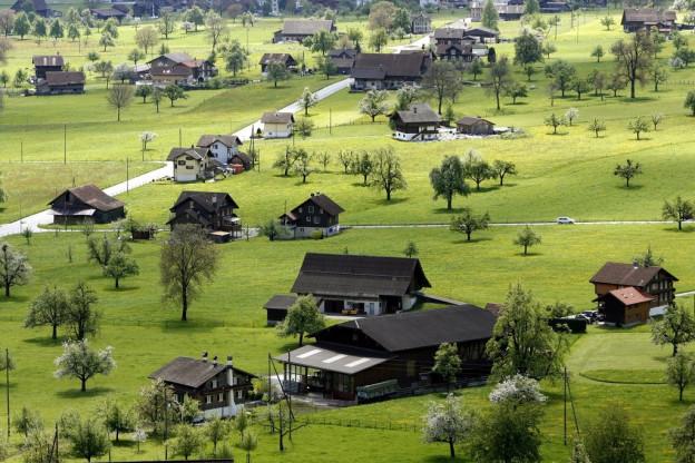 In Obwalden stehen viele Häuser ausserhalb der Bauzonen.