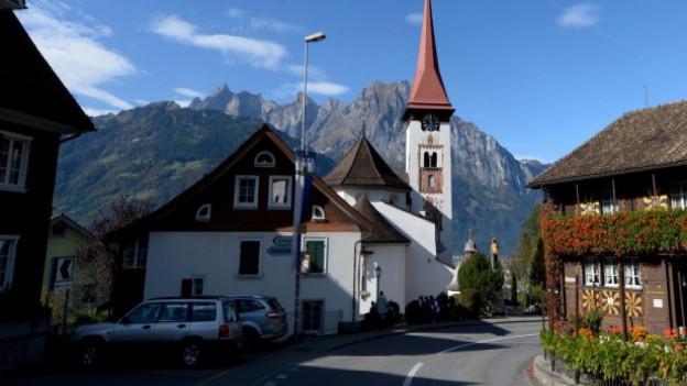Eine Strasse im Kanton Uri.