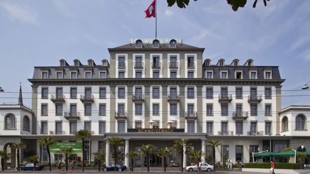 Die Tourismuszone sei ungerecht, finden die Schweizerhof-Besitzer.