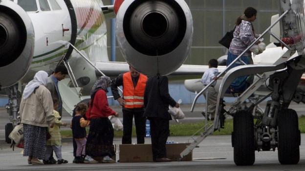 Ausschaffung am Flughafen (Archivbild)