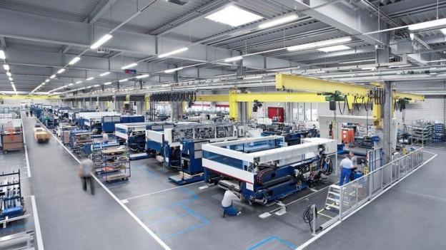 in Lightbox öffnen. Bildlegende: Die Trumpf Gruppe will sich künftig hauptsächlich auf den Produktionsstandort Grüsch in Graubünden konzentrieren.