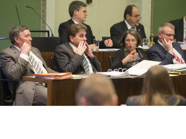 Die Zuger Regierung (hier v.l. Urs Hürlimann, Beat Villiger, Manuela Weichelt und Heinz Tännler) im Kantonsrat.