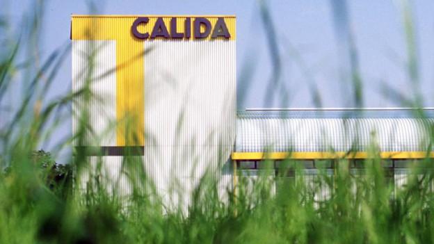Fassade Fabrikgebäude Calida.