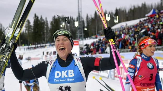 Jubel im Zielraum: Lena Häcki wird Vierte