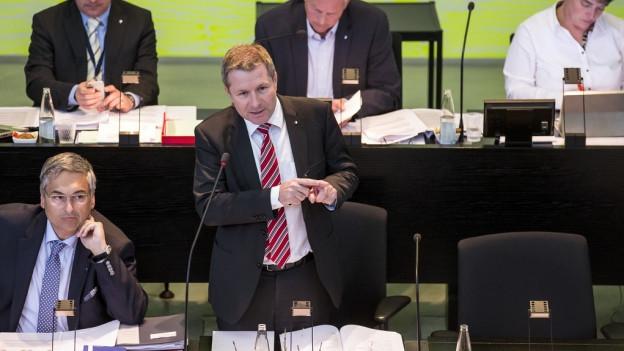 Marcel Schwerzmann (Mitte) wird mit seinen Regierungskollegen die Spar- und Budgetpläne verteidigen müssen.