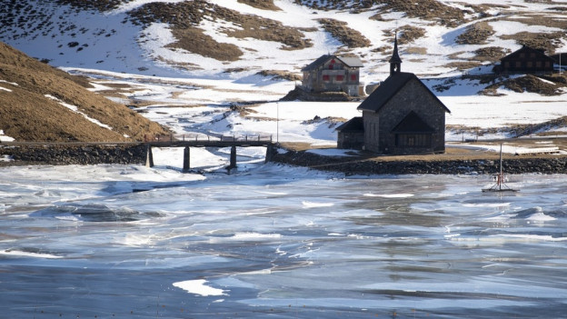 Zentralschweizer Tourismusorte müssen wegen Schneemangel Alternativen anbieten.