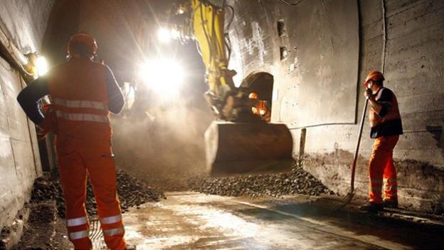 Frühere Arbeiten am bergseitigen Axentunnel.