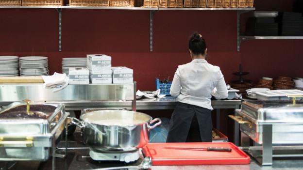 Arbeit in einer Hotelküche (Symbolbild).