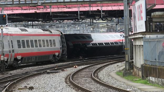 Beim Zugsunglück in Luzern wurden sieben Personen leicht verletzt.