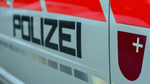 Logo Kapo Schwyz auf Auto