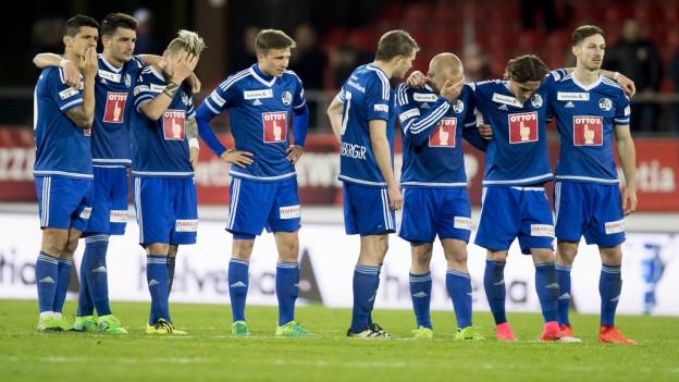 Die FCL Spieler müssen sich im Penaltyschiessen geschlagen geben.