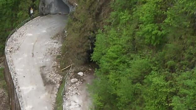 Luftaufnahme der Bristenstrasse im Kanton Uri.