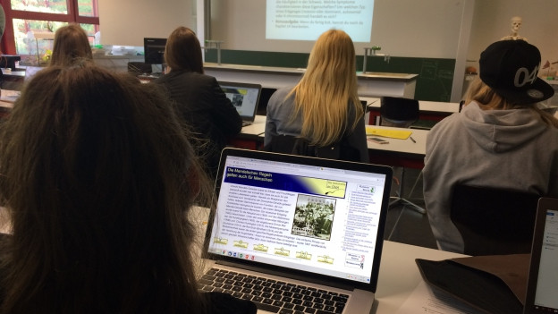 Informatik-Pilotklasse an der Kantonsschule Zug