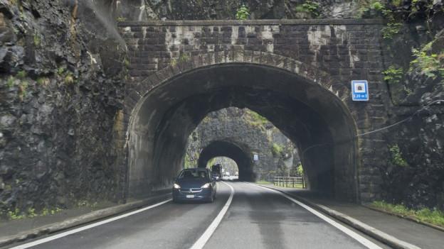 Tunnels der heutigen Axenstrasse.