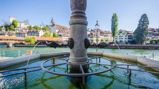 Der Pfistergass-Brunnen in Luzern.