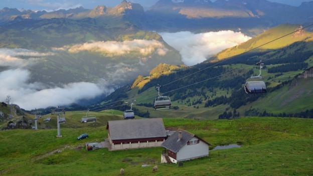 Berglandschaft mit Sessellift
