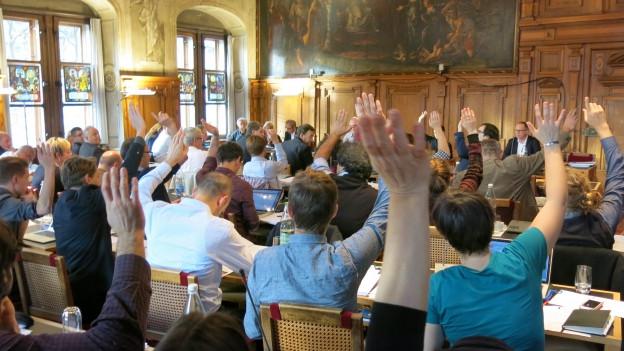 Abstimmung im Stadtparlament (Archivbild)