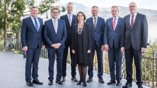 Im Kanton Zug sollen weiterhin sieben Köpfe regieren.