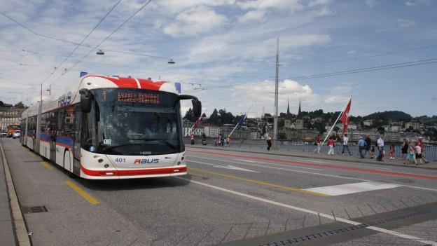 Luzerner Seebrücke bis Ende Monat beschränkt offen