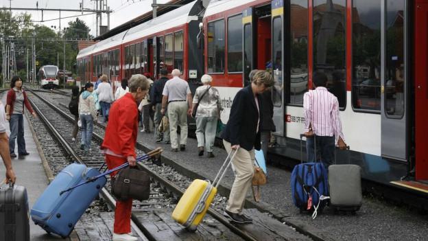 Auch viele Touristen benützen die Zentralbahn.
