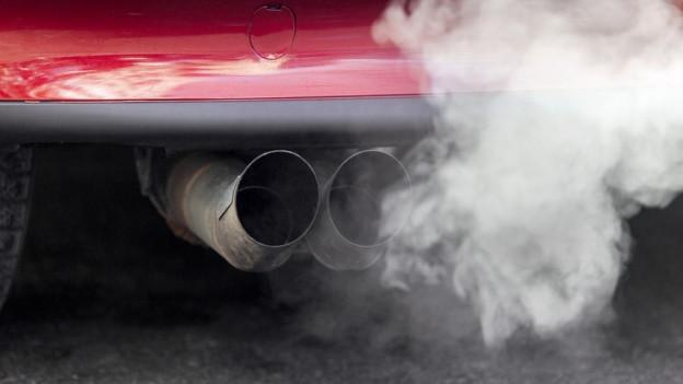 Dieselmotoren ohne Partikelfilter schaden der Luft besonders.