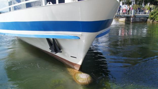 Der beschädigte Bug der MS Schwyz.