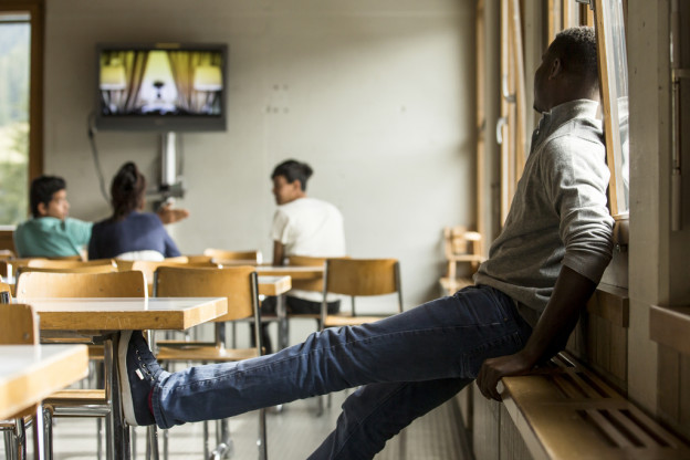 Die Asylsuchenden bleiben künftig länger, für die Kinder wird ein Schulunterricht organisiert