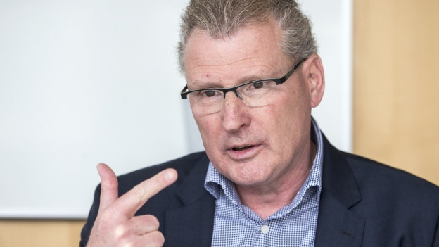 Portrait von Regierungsrat Heinz Tännler