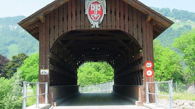 Eine Holzbrücke in Nidwalden