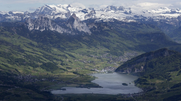 Der Lauerzersee im Kanton Schwyz.