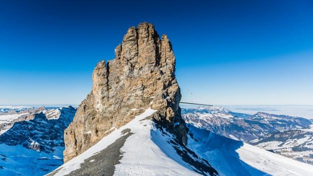 Das Rotstöckli (2901 Meter über Meer) ist der höchste Gipfel im Kanton Nidwalden und steht mitten auf dem Titlis-Gletscher.