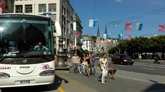 Car-Parkierung: Stadtparlament stellt sich gegen Regierung