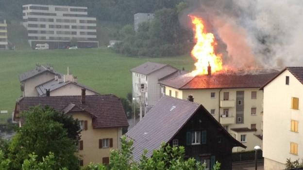 Dachstockbrand in einem Mehrfamilienhaus in Littau.