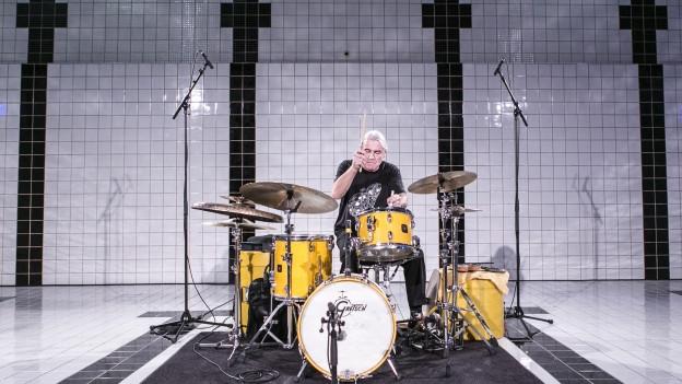 Eigentlich spielt Fredy Studer lieber in Bands als alleine.