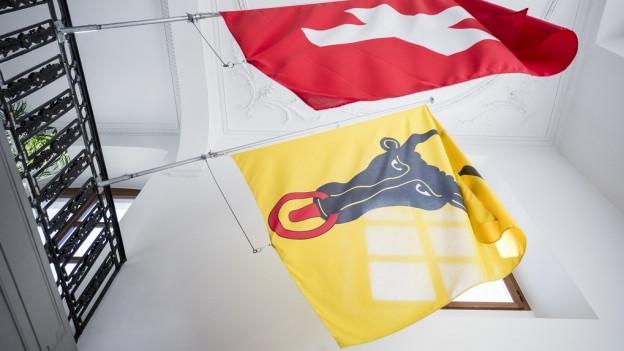 Urner und Schweizer Fahne
