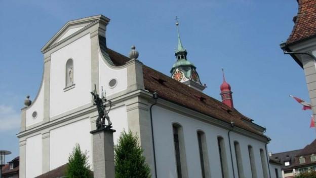 Küssnacht kommt nicht zur Ruhe: Das Bistum Chur reicht Anzeige gegen den ehemaligen Pfarrer von Küssnacht SZ ein.