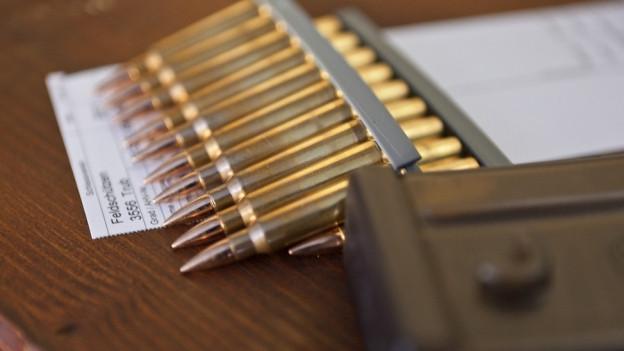 Schwyzer Polizist handelte im Internet vor allem mit Munition.