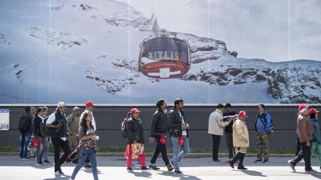 Touristen auf dem Titlis.