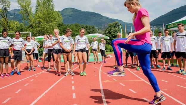Jugendliche beim Lauftraining.