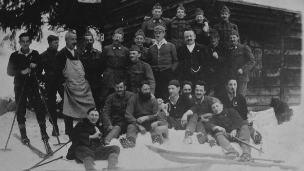 Historische Aufnahme des Skiclubs Horw